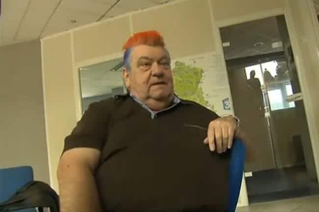 Louis Nicollin avec sa crête aux couleurs du club