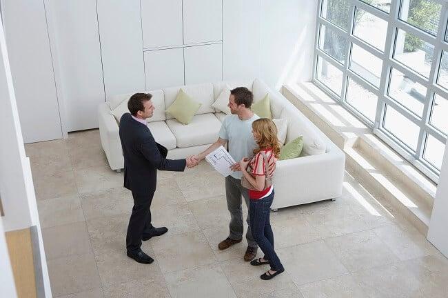 maison visite agent immobilier